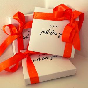 cadeaubon juwelen kadobon giftcard parels geschenk geschenkenbon christmas christmaspresent love